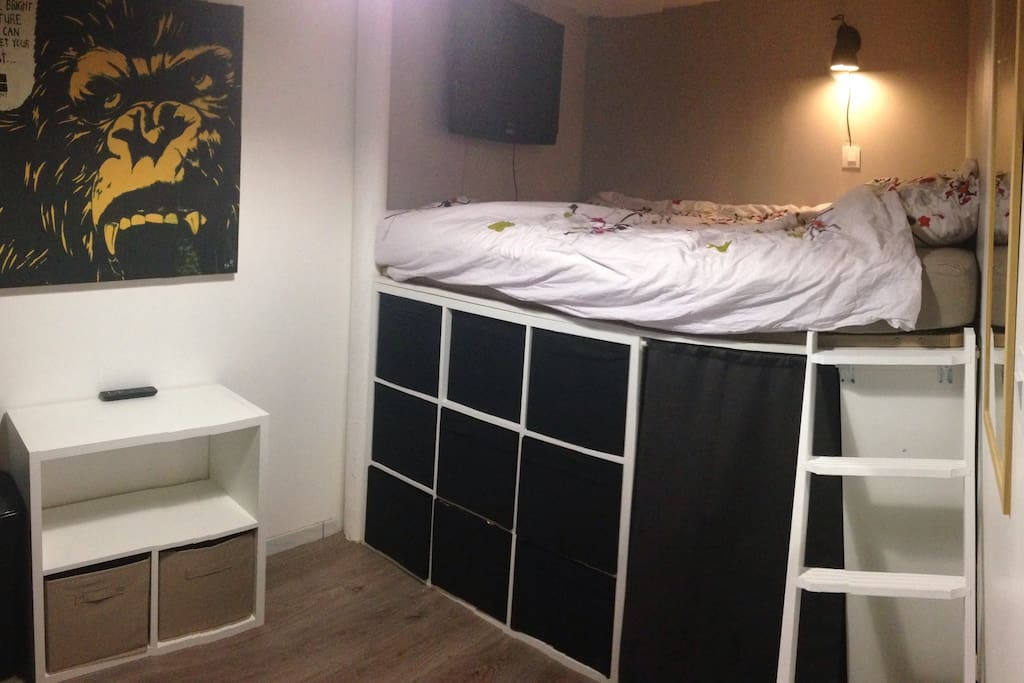 Chambre lit deux places ( 200 x 160 )