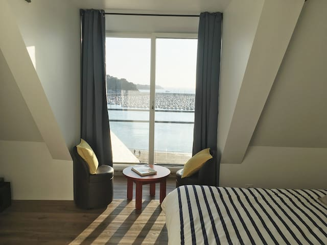 La chambre avec sa magnifique vue