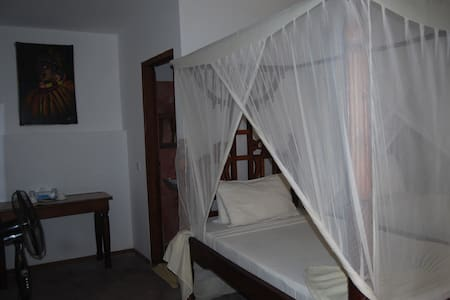 African Style single beds - Bwejuu - Bed & Breakfast