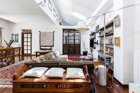 Bright loft with private garden in the charming Navigli area