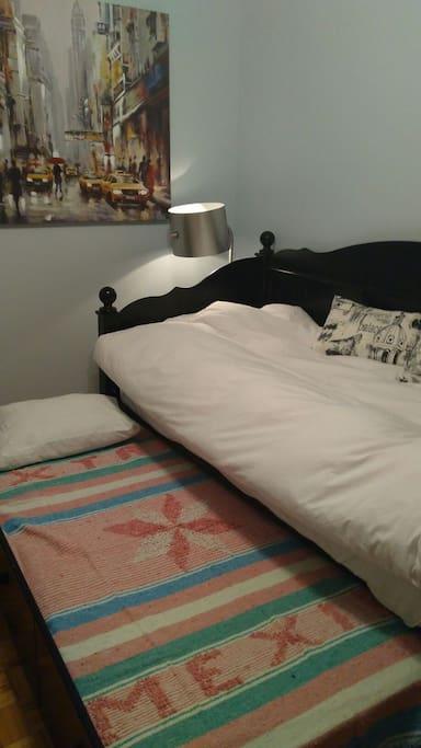 un lit simple avec peu faire 2 lits