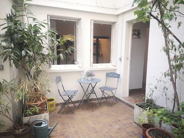 Charming ground-floor studio near Bastille