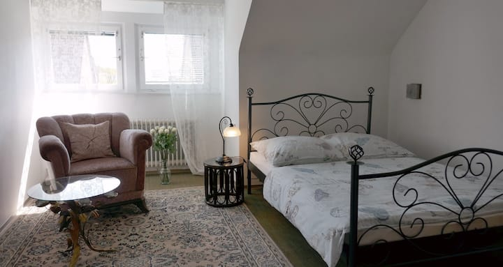 """Guestrooms """"Lily"""" in Bavaria, WLAN"""