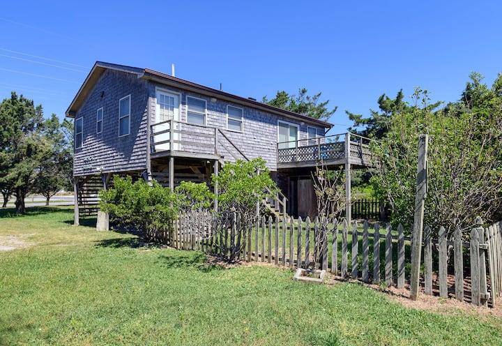 Ribbit's Retreat - Charming Beach Cottage