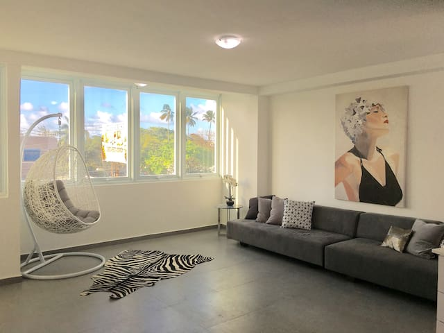New, Modern, Chic, Walk to the Beach - San Juan - Lägenhet