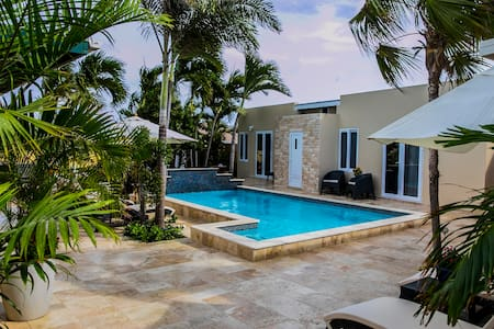 Luxurious Studio 1 with pool and hot tub