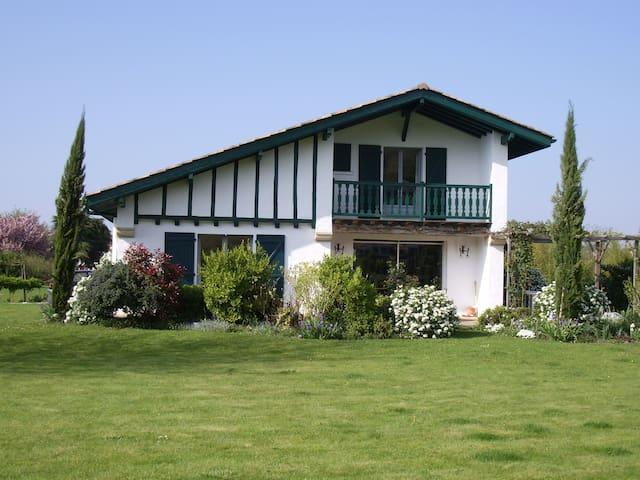 villa tout confort - Ascain - Villa
