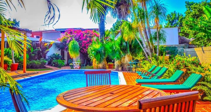 VIP Luxury Amazing 4BR Villa with pool in Siboney