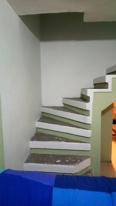 escaleras 2do piso