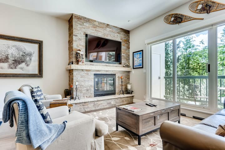 Beaver Creek Villa in Ski-In/Ski-Out Complex w/Shared Hot Tub & Pool, W/D, WiFi!
