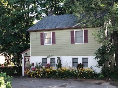 Garden View Guest Cottage