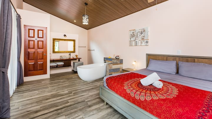 Honeymoon Suite at boutique B&B on Matapalo Beach