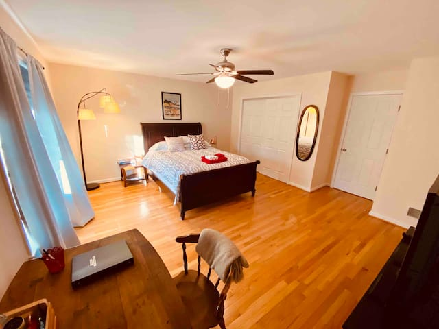 Comfortable & spacious private room near UD
