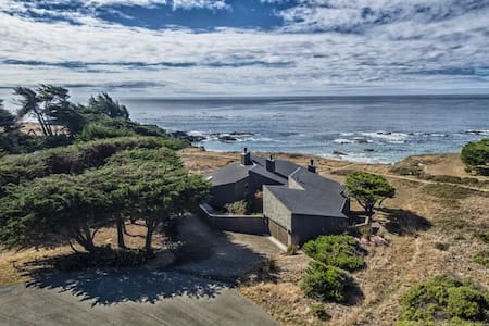 Spectacular oceanfront home ! - Sea Ranch