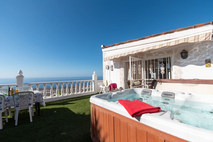 Tranquil 2 bedroom villa with jacuzzi