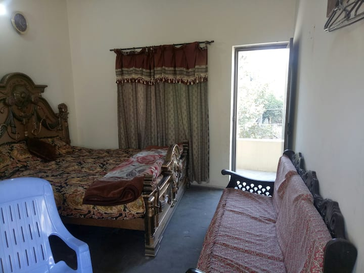Furnished Room wtTerrace View/Premium Hospitality