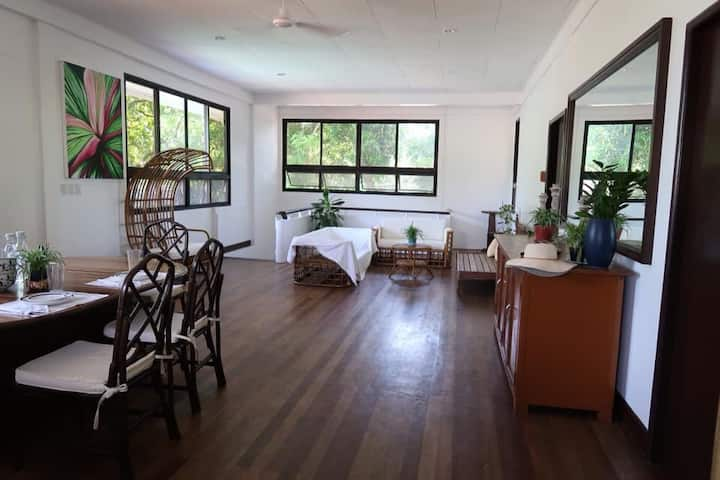 Balay 8 Suites- Bed and Breakfast