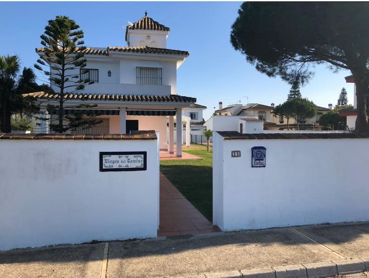 """Delightful Vacation Home """"Villa Virgen del Camino"""" with Sea View, Mountain View, Pool, Wi-Fi, A/C, Terrace, Balcony & Garden; Parking Available"""