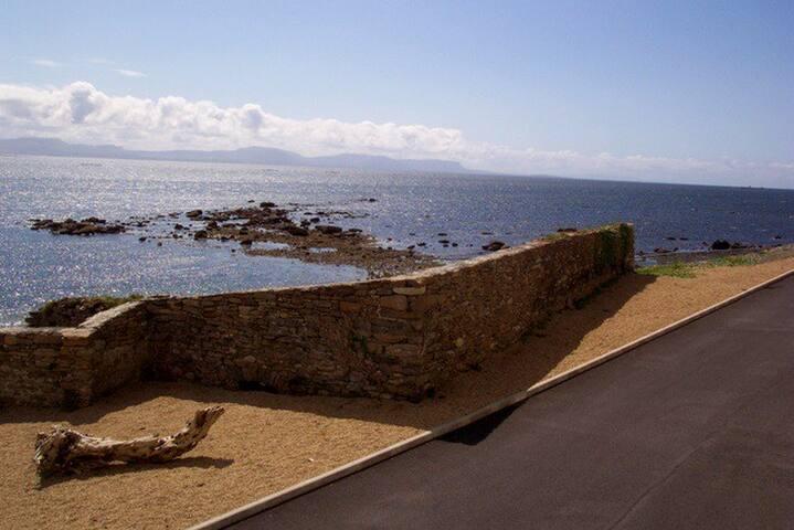 Wild Atlantic Way beach house  : amazing views