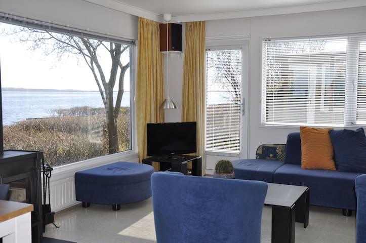 Vakantiechalet voor 4 personen aan het Lauwersmeer