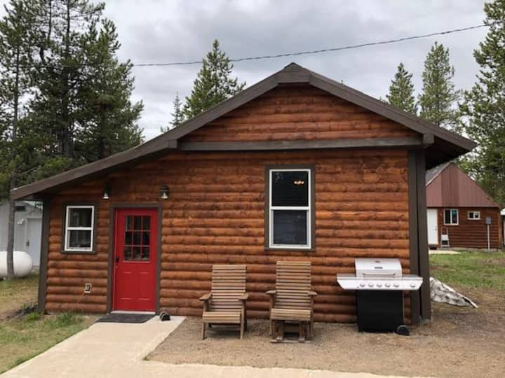 Moose Crossing Cabin at Mack's Inn