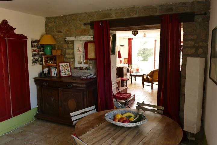 Jolie maison de paludier dans village typique - Guérande - Hus