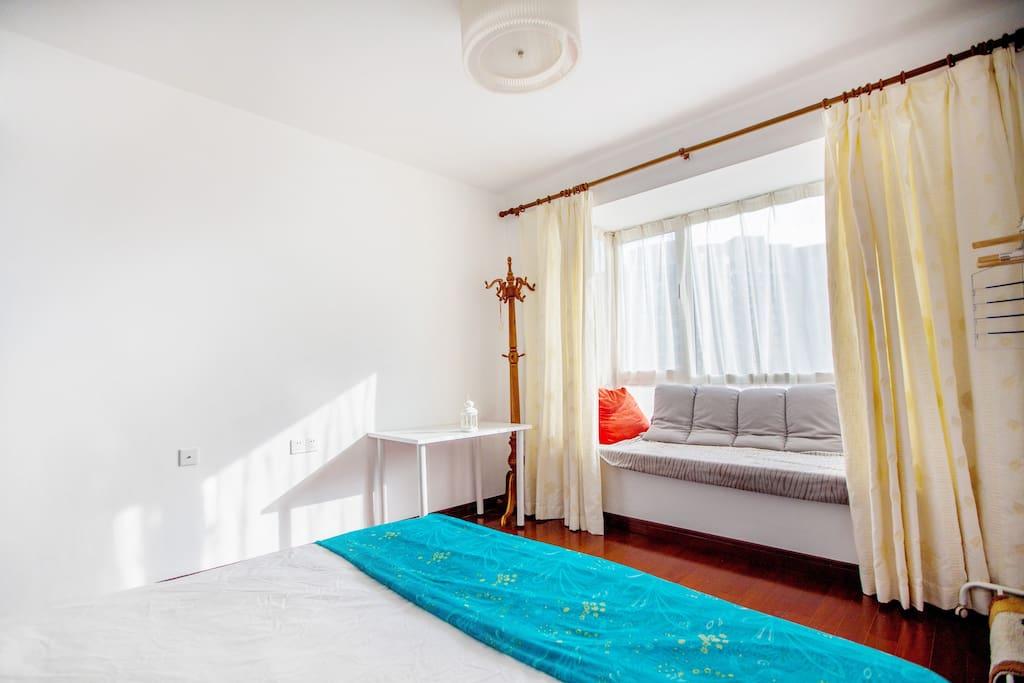 房间 2x2.3m大床