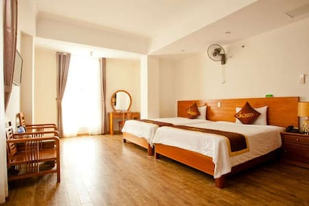 Deluxe Twin Room right in front of the beach - Da Nang - Apartment