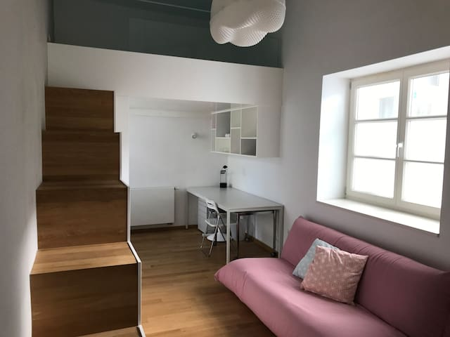 MODERN STUDIO APARTMENT IN THE HEART OF OLD CITY