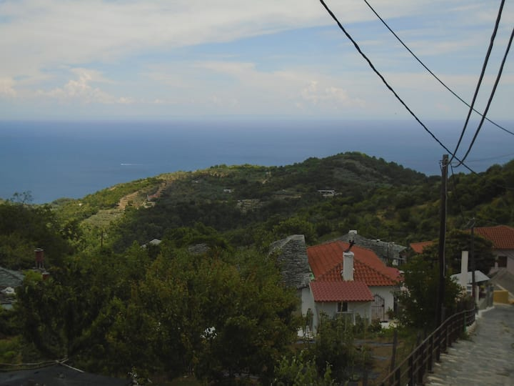 First floor vacation lodge above Aegean Sea