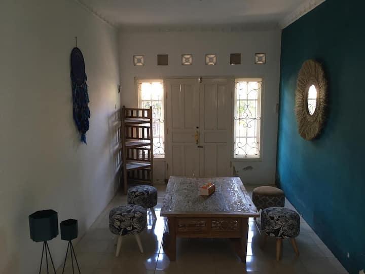 Kaula Blue House