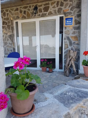 Peaceful romantic place - Zadar (Zadar suburb) - Flat