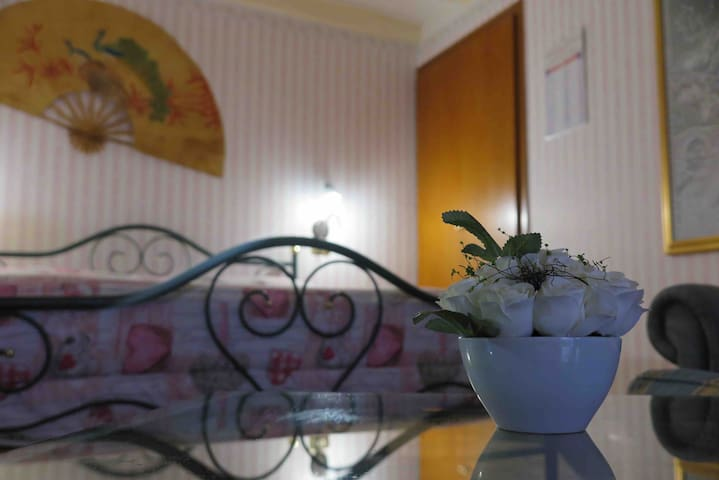 Zagarolo deliziosa stanza ,spaziosa e accogliente