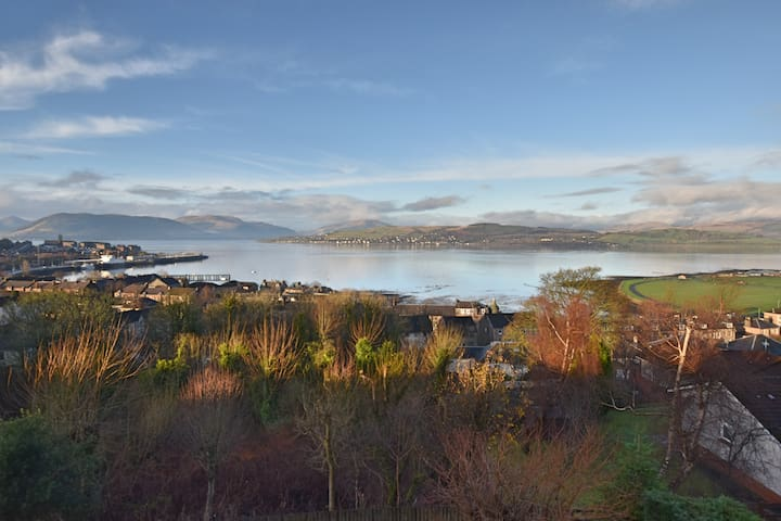 Luxury exclusive family home on the Clyde Estuary