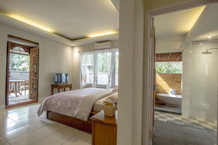 1BR Chic Villa close to Center Ubud