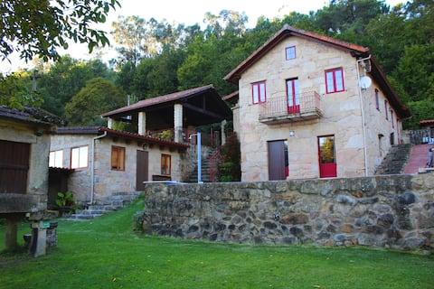Preciosa casa rural con piscina en  Mondariz