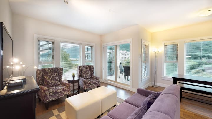 2 bedroom Lakeview Grand Suite