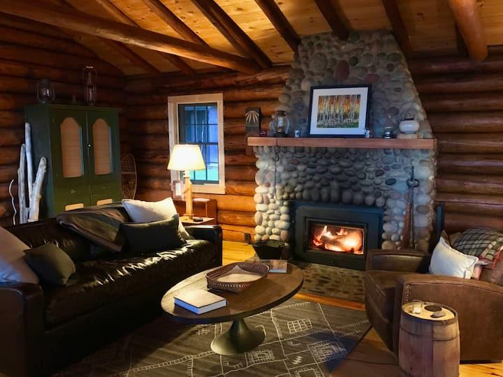 Historic Log Cabin Cabin on Lake Superior