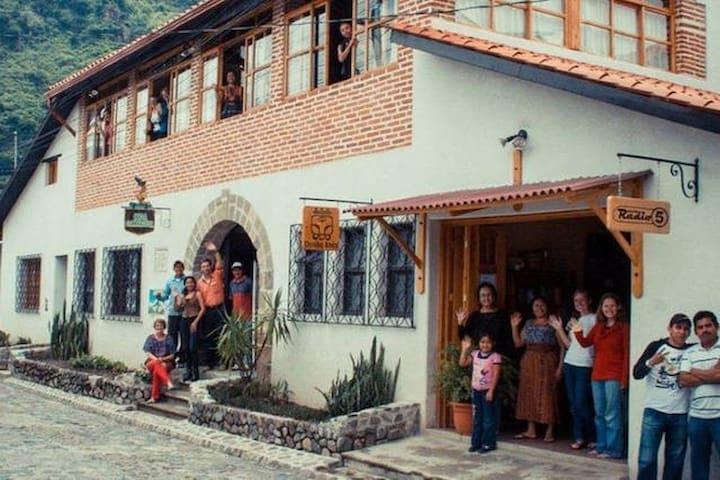 Panajachel Centro  - Casa Cakchiquel - La Condesa