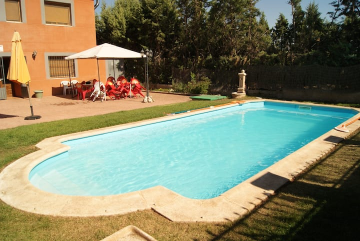 Villa with 6 bedrooms in Cerezo de Mohernando, with private pool, furnished terrace and WiFi