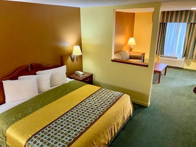 Suite Room -Get Away and Relax on special occasion
