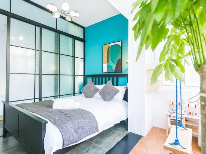 「青霖·豆蔻」咫尺西湖|百寸投影|亲子娱乐|近地铁|市中心 超舒适2居室