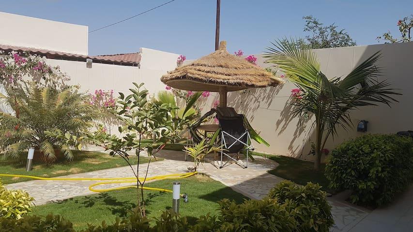 Chambre dans  maison avec jardin  à Kaolack.