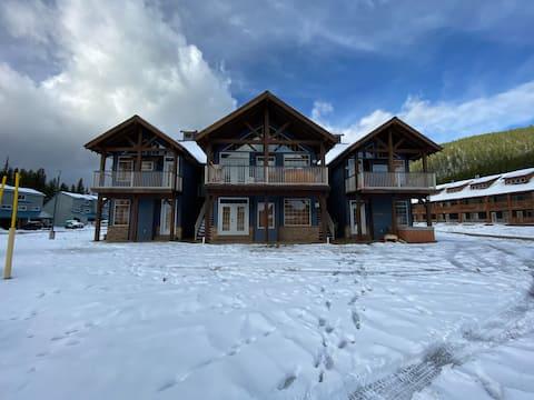Cozy Apex Mountain Condo Suite