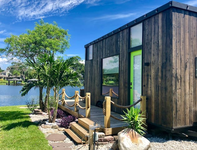 The View - Waterfront Tiny Home - Tiny houses for Rent in Orlando, Florida,  United States