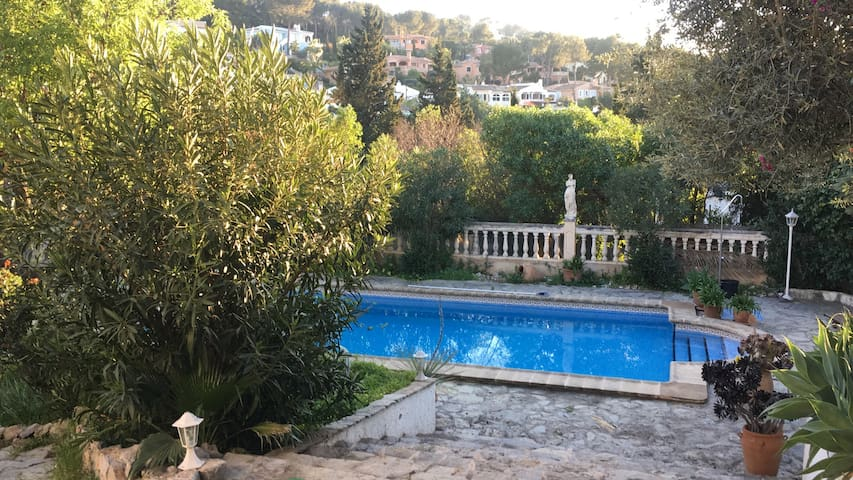 Cosy Place with Garden & Pool - Rotes Velles - Wohnung