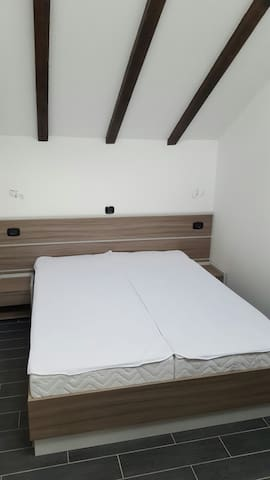 apartment with gallery on beach + swimming pool - Starigrad - Appartement