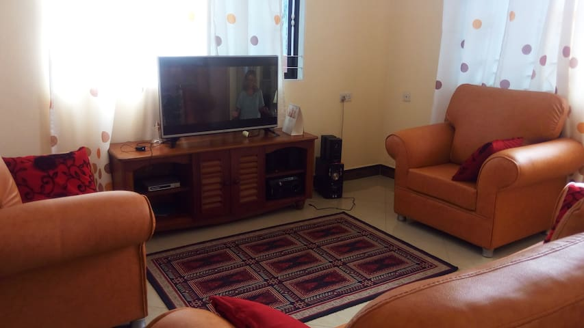 A private Comfy room near the airport2. - Dar es Salaam - Casa