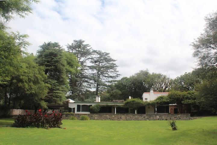 Amplia Casa Zona Norte Villa Warcalde Cordoba cap.