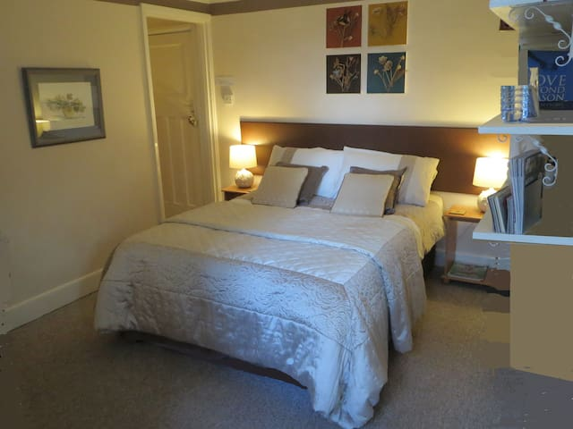 Orchard House - 1 double ensuite - Twyford - Inap sarapan